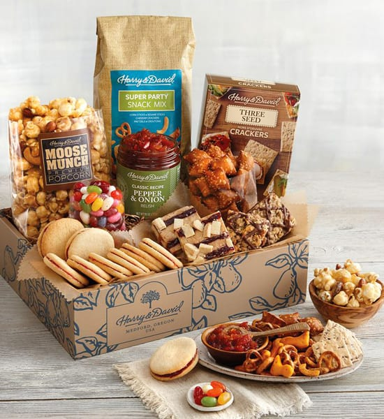 Harry & David Sweet and Salty Deluxe Gift Basket