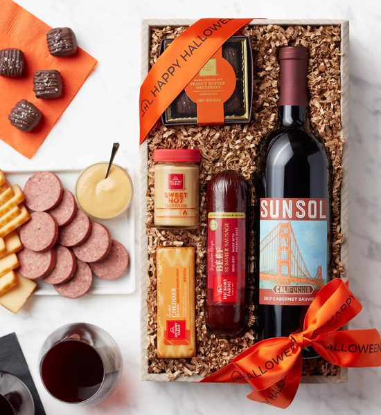 Hickory Farms Happy Halloween Wine Collection Gift Basket